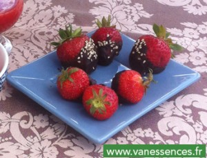 Fraises au chocolat à l'huile essentielle de menthe verte
